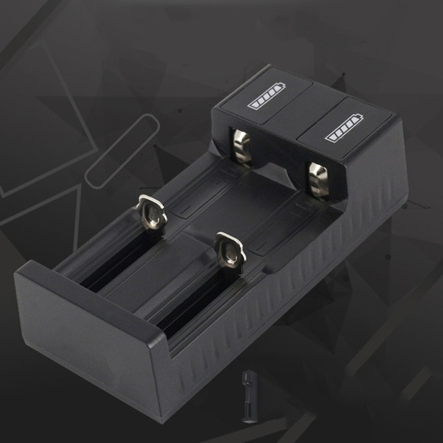 Universal 2 slot Batterie USB Ladegerät Smart Charge 3,7 V für 18650 Ladegerät Akkus Li Ion 18650 26650 14500
