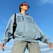 Дымка синего цвета с выполненной винтажным шрифтом надписью, с вышивкой в виде фирменного качества на молнии толстовки для женщин зимнее па...