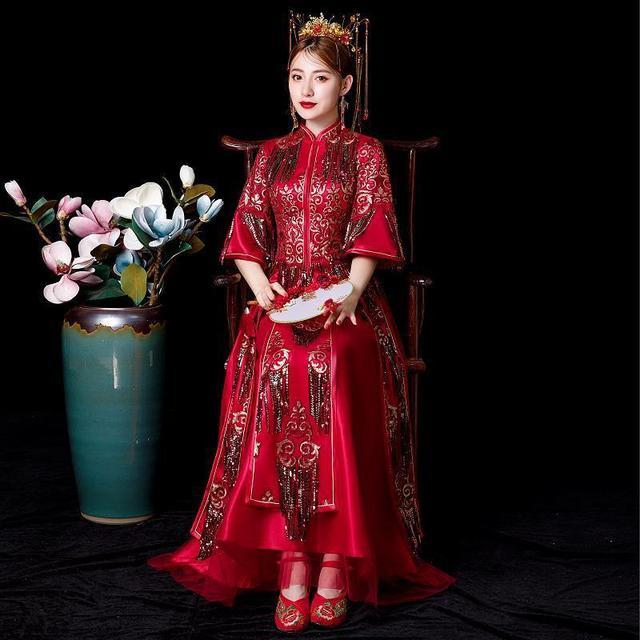 2019 Đầm Vestido De Festa Xiuhe Quần Áo Mùa Hè Cô Dâu Thể Hiện Mỏng 2020 Trung Quốc Mới Áo Cưới Dây Cổ Cô Dâu Quần Áo Phong Cách