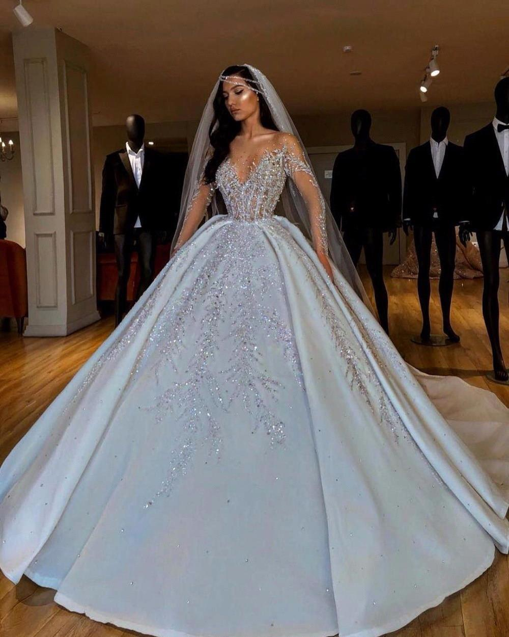 Luxury Arabic Ball Gown Wedding Dress Long Sleeve With Large Beaded Applique Sweetheart Button Back Long Train Wedding Gowns