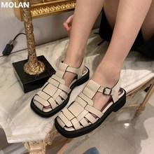 MOLAN marka projektant 2021 lato koreański Fashion Square Toe jakościowa skórzana sandały damskie Hallow Socofy Comfort Bottom Ladies Shoes tanie tanio CN (pochodzenie) Niska (1 cm-3 cm) Na co dzień GLADIATORKI Płaskie z Pokryte RUBBER pasek z klamrą Dobrze pasuje do rozmiaru wybierz swój normalny rozmiar