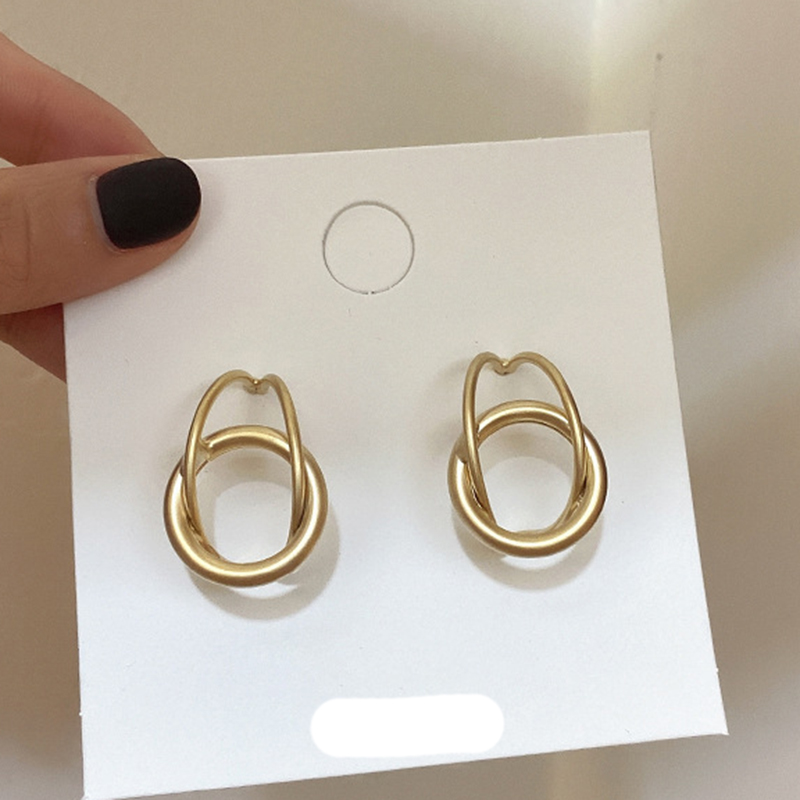 Korean-Style-Silver-Gold-Color-Irregular-Wave-Twisted-Geometric-Statement-Stud-Earrings-for-Women-Accessories-Fashion (1)
