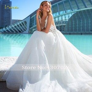 Image 3 - Loverxu Ingetogen V hals Baljurk Trouwjurken Applique Tank Mouwen Backless Bruid Jurk Hof Train Lace Bridal Gown Plus Size