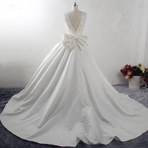 Image 2 - Бальное платье принцессы RSW1533, свадебные платья 2019 с большим бантом на спине, V образным вырезом, аппликацией, шлейфом в часовне дома, атласное винтажное свадебное платье