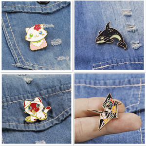 Thousand Paper Crane Kitty Brooch Personality Female Cute Badge Cartoon Enamel Pin Decoration Creative All-match Buckle Pin