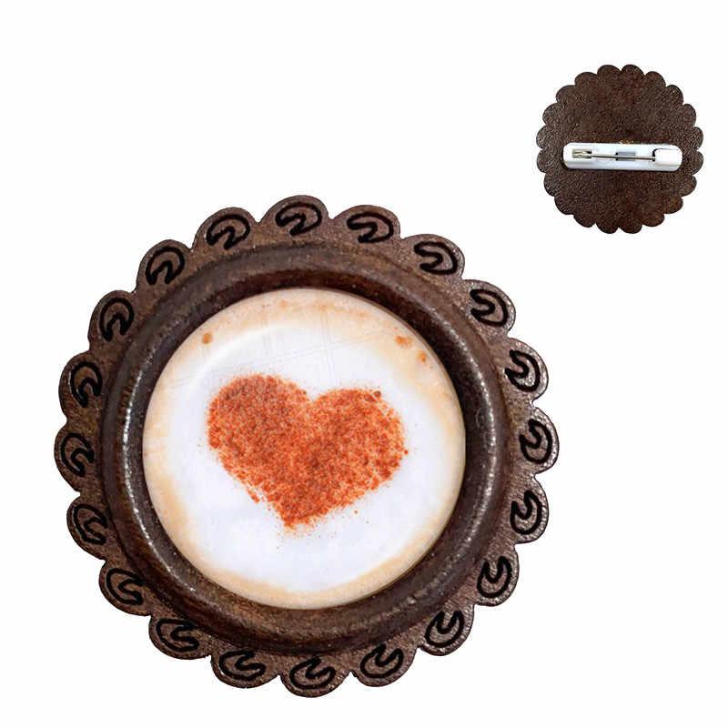 กาแฟลาเต้ช็อกโกแลตพิมพ์ศิลปะหัวใจรักเข็มกลัดแกะสลักดอกไม้ Clover Cat Cabochon ไม้ Pins สำหรับผู้หญิงผู้ชาย