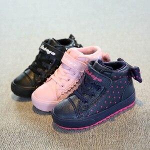 Image 2 - Детская зимняя обувь для девочек, детские теплые ботинки для мальчиков, новинка 2019, бархатные зимние ботинки для малышей, розовые кроссовки для девочек