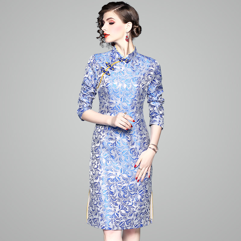 Old Shanghai Cheongsam Women's Autumn And Winter New Style Blue And White Porcelain Jacquard Vintage Improved Mid-length Dress 8