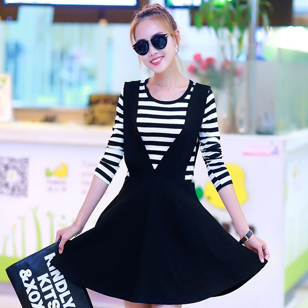 2017 Spring And Autumn New Style Two-Piece Dress Black And White Stripes T-shirt Mid-length Pocketless Suspender Skirt 2-18