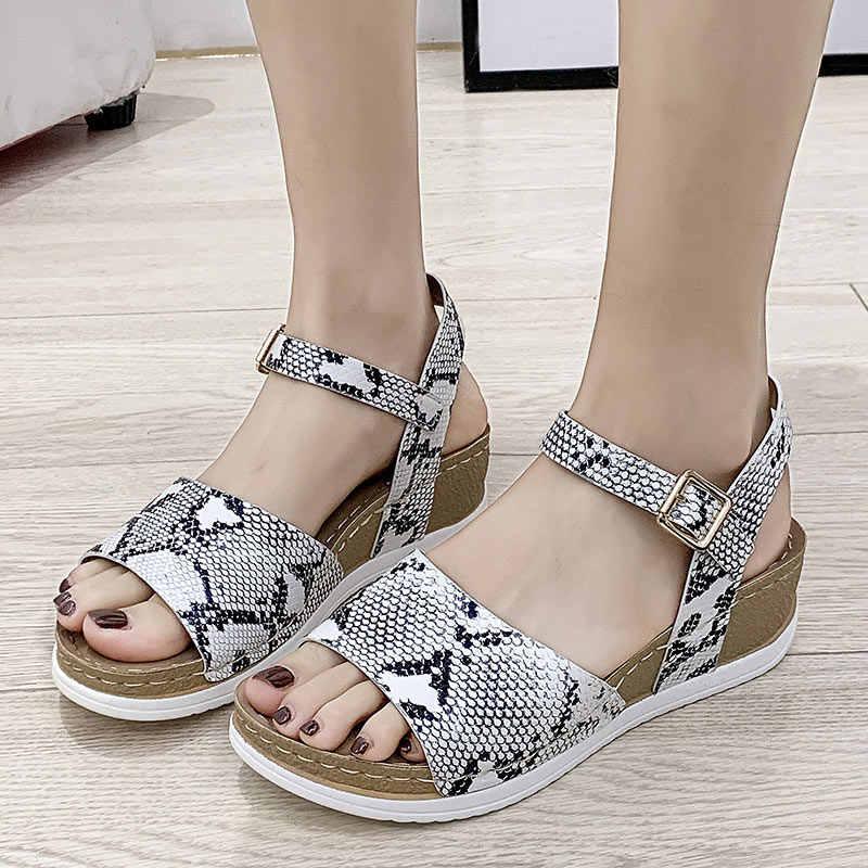 2020 ผู้หญิงรองเท้าแตะผู้หญิงงูพิมพ์รองเท้าผู้หญิง Comfort Platform เย็บหญิงสายคล้องคอ Peep Toe LADIES ฤดูร้อนใหม่