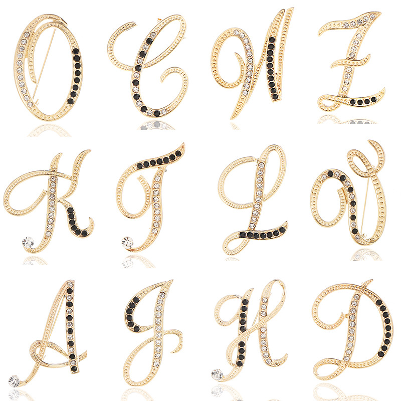 New Fashion Metal 26 Letter Brooch Personality Suit Scarf Buckle Badge Corsage Luxury Brooch for Women Accessories Jewelry 1