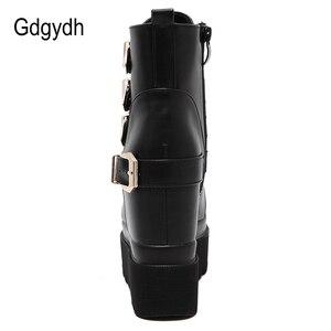 Image 3 - Gdgydh 2020 秋の女性のアンクルブーツラウンドトウゴールド金属バックルショートブーツを増加ハイヒールプラットフォーム女性のブーツの靴