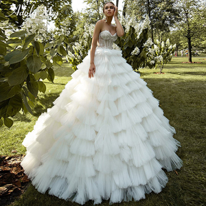 Image 1 - ロマンチックな恋人のネックアップリケ花嫁夜会服のウェディングドレス 2020 高級レースビーズのティアード裁判所の列車の王女の花嫁衣装