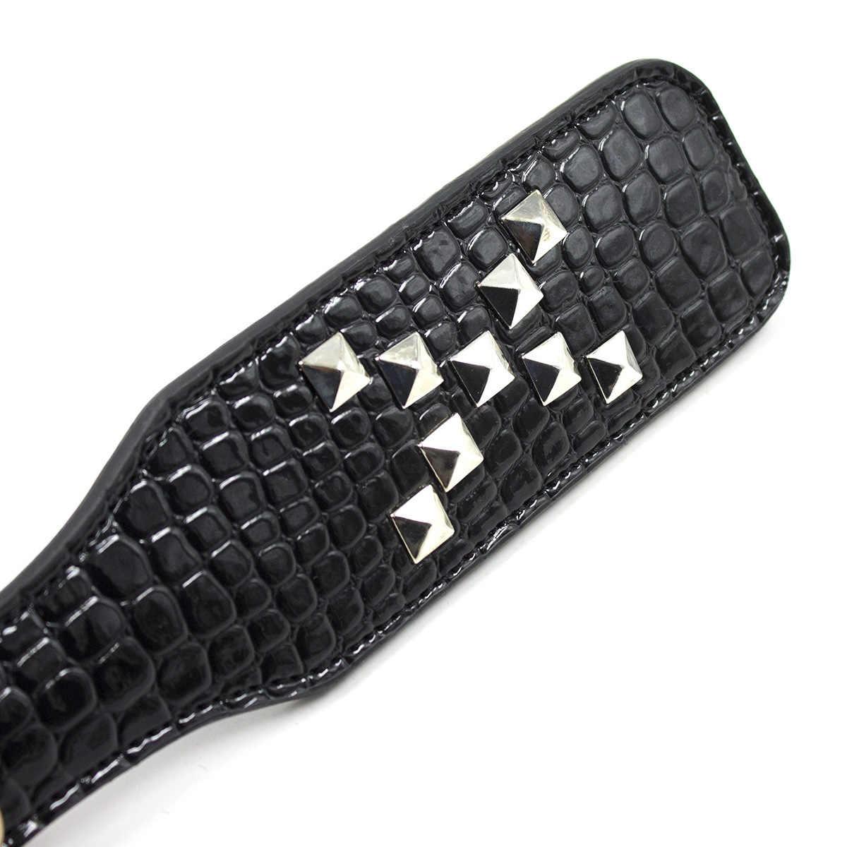 Schwarz Krokodil Leder Spanking Paddle mit Nieten zu Schlagen Unterwürfig Flirt Slave Verworrene Fetisch Bdsm Peitsche Folter Getriebe Sex Spielzeug