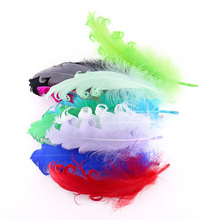 Best Selling 50 Pieces Of Natural Dyed Goose Hair 9-15CM Hat Crafts Wedding Fluffy Art DIY Jewelry Holiday Scene Decoration