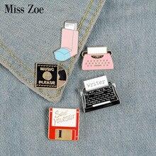 Respiro salvar registro de vinil máquina de escrever esmalte pino personalizado broches saco roupas lapela pino do vintage crachá diversão jóias presente