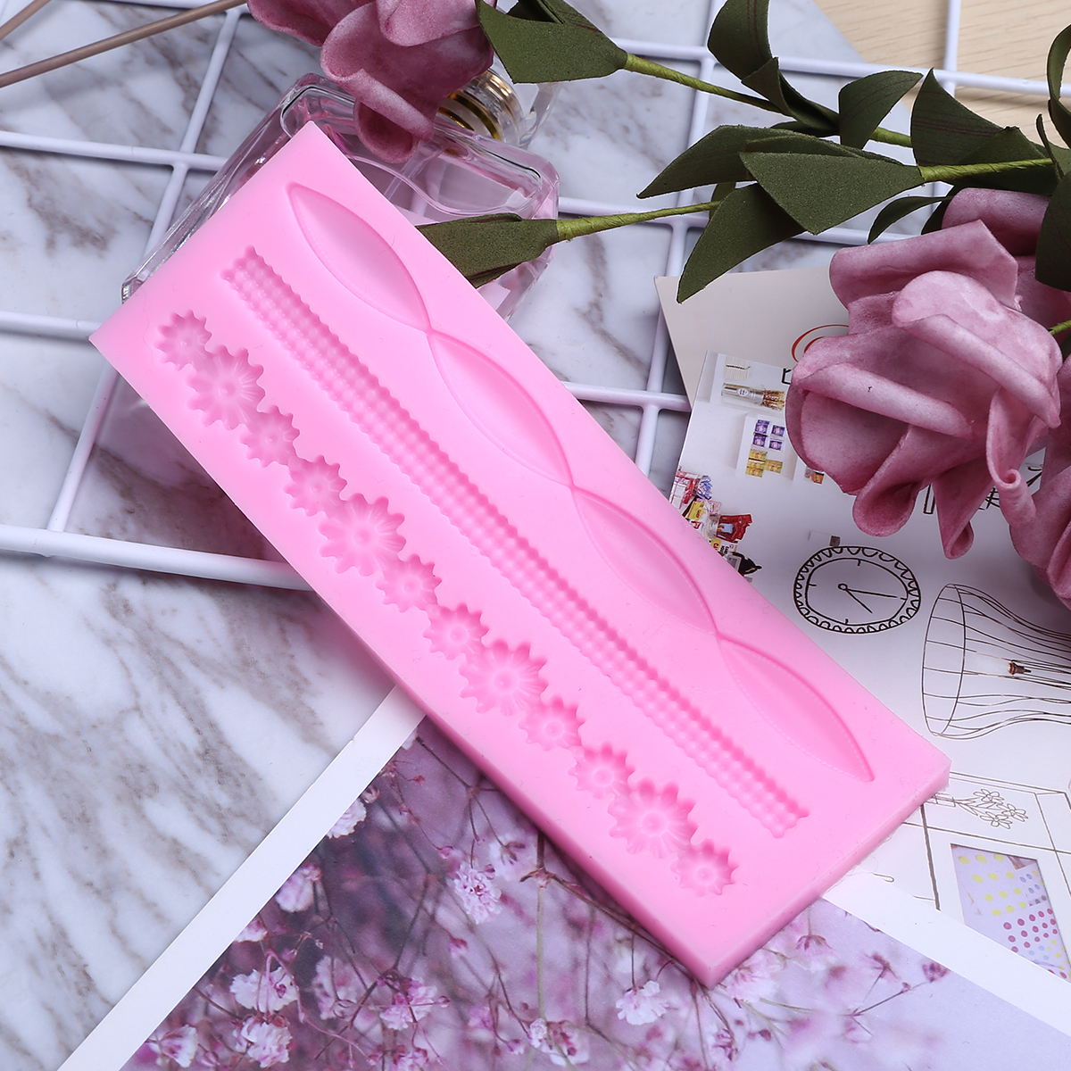 1Pcs DIY Twist Rope Lace Silicone Cake Mold for Cakes Baking Tool Pink