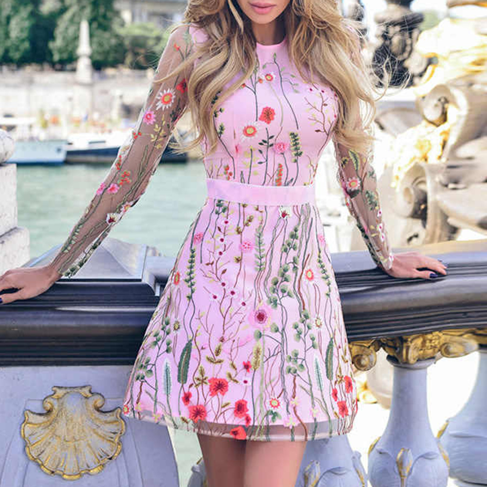 2019 Women Vintage Floral Embroidery Sheer Mesh Dress Summer Boho Mini Dress See-through Black Dress 2019 Vestidos De Festa 2
