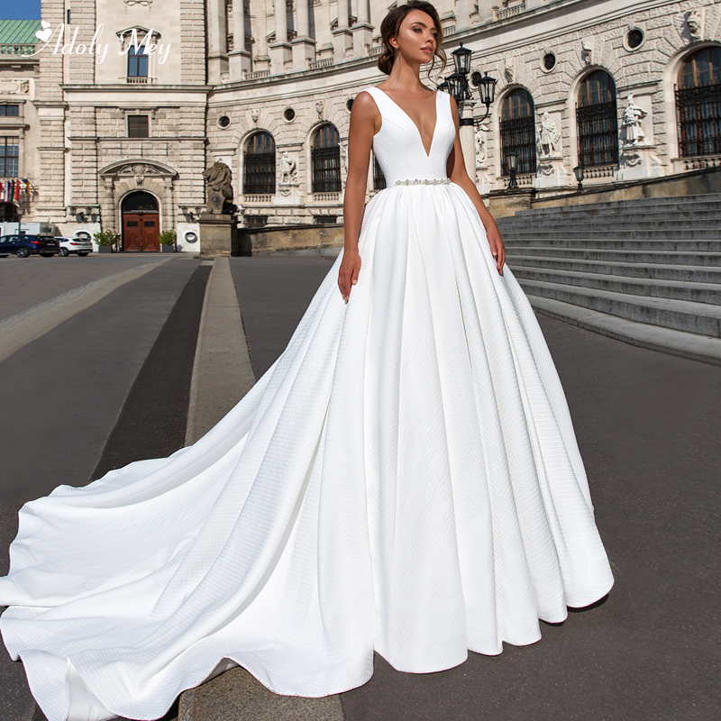 Adoly Mey Charming Scoop Neck Backless A-Line Wedding Dresses 2020 Luxury Sashes Beaded Court Train Vintage Bride Gown Plus Size
