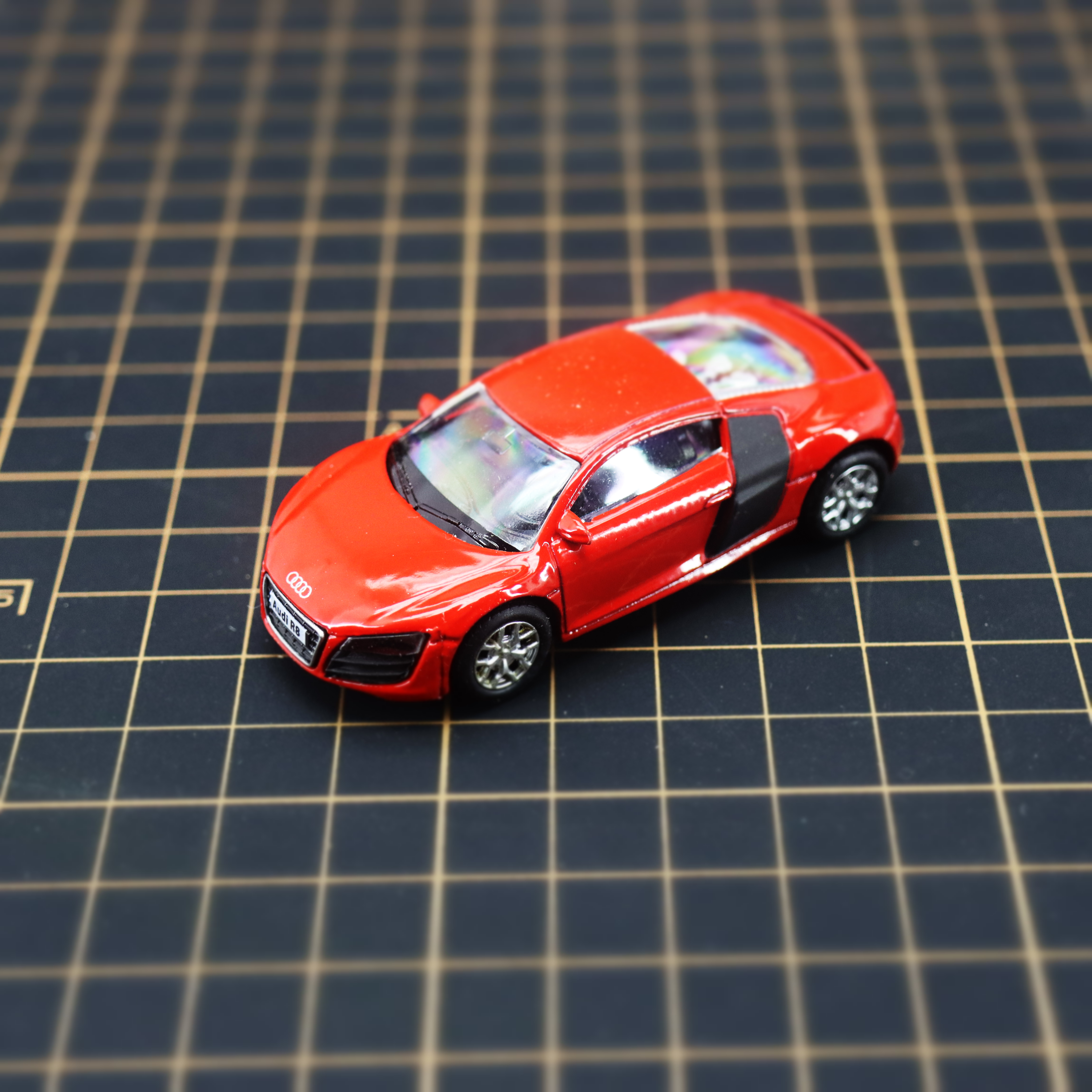 Diecast Alloy Toy Car R8 1/64 Pull-Back-Movable