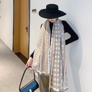 Image 2 - 2019 Nieuwe Collectie Vrouwen Houndstooth Cashmere Achtige Sjaals Dubbele Kanten Vrouwelijke Winter Dikke Warme Wollen Deken Sjaal Wraps