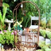 Fairycome jardim de fadas portão enferrujado arco do jardim em miniatura com porta de balanço mini mandril enferrujado vintage ferro metal artesanato ornamentos