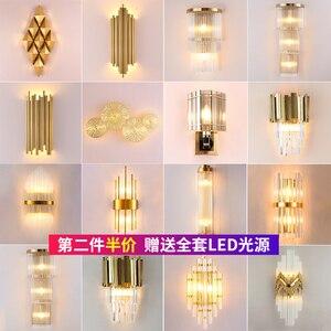 Image 1 - מודרני קריסטל מנורת קיר זהב פמוט אורות AC110V 220V אופנה יוקרה זוהר סלון חדר שינה אור גופי