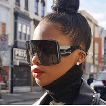 2020 New Ladies Oversized Square Sunglasses Women Men Brand Black Shiel
