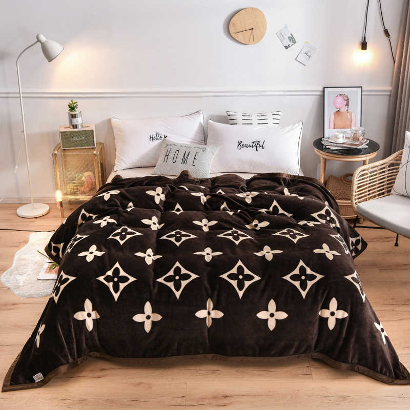 Yaapeet Thicken  Blanket Super Soft Coral Fleece Fabric Bedspread For Winter Bedding Dark Color With Printed Floral  Blankets