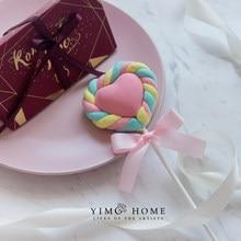 Lollipop de algodón de imitación de amor, accesorios de disparo de exhibición para decoración de ventanas de postre de caramelo falso de marshmallow