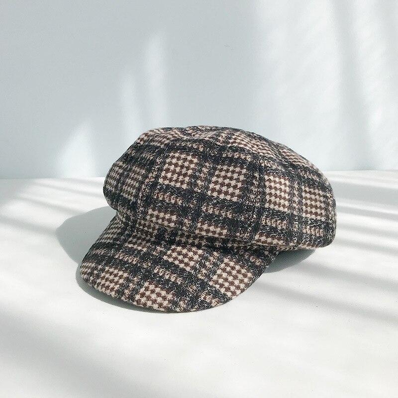 Берет в стиле винтаж шапки для женщин зима осень газетные шапки женские британский стиль плед хлопок восьмиугольная шапка береты шапка сохраняет тепло - Цвет: D