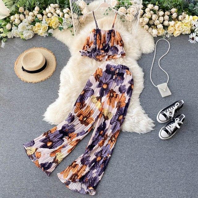 Фото женские летние комплекты для отпуска стильный короткий топ с