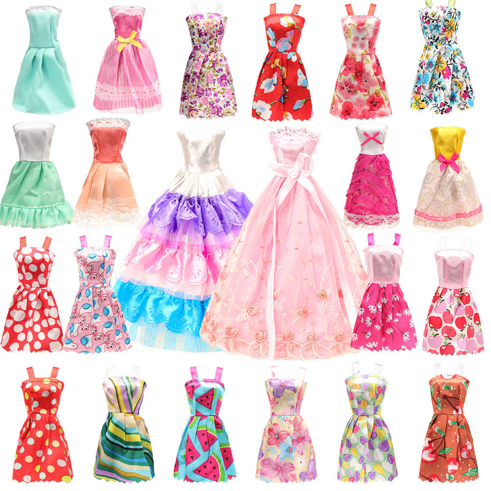 """Lot 15 Items = 5 Pcs Fashion Handmade Dresses /& Clothes 10 Shoes For 11.5/""""  Doll"""