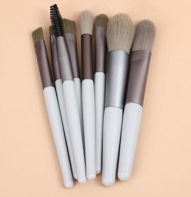 8pcs Mini Matte Makeup Brushes Set Wooden Handle Eyeshadow Eyebrow Foundation Blush Loose powder Lips Face Makeup Tools 6