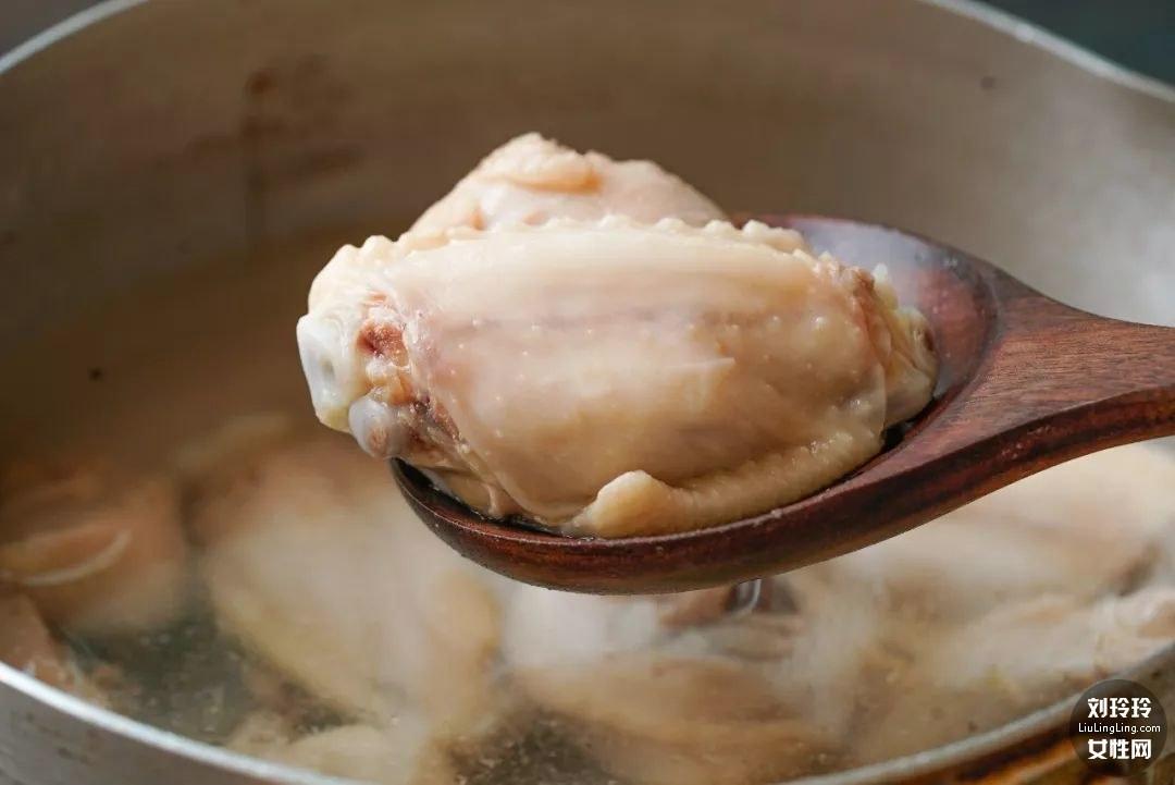 竹筍燜雞的做法大全家常 鮮竹筍燜雞肉4