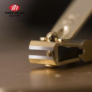 Image 2 - สามเจ็ด/777 ไฟแช็กสไตล์เล็บ Clippers Trimmers ชุด Cuticle Pusher 7 in 1 Pedicure Care คลาสสิกเล็บเครื่องมือ
