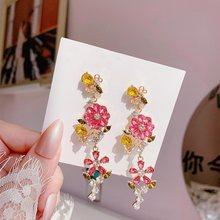 MENGJIQIAO-pendientes colgantes largos con forma de hoja de cristal y flor rosa para mujeres