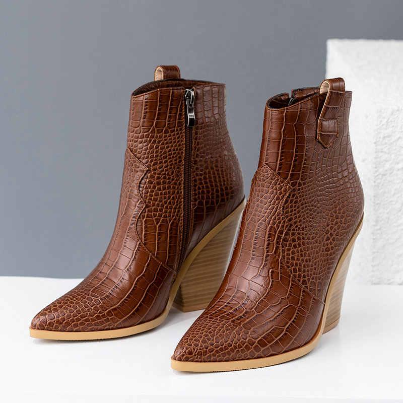 Tasarımcı kış yarım çizmeler kadınlar için Zip Faux deri batı kovboy çizmeleri kama yüksek topuk yılan baskı çizmeler 2019 kadın patik