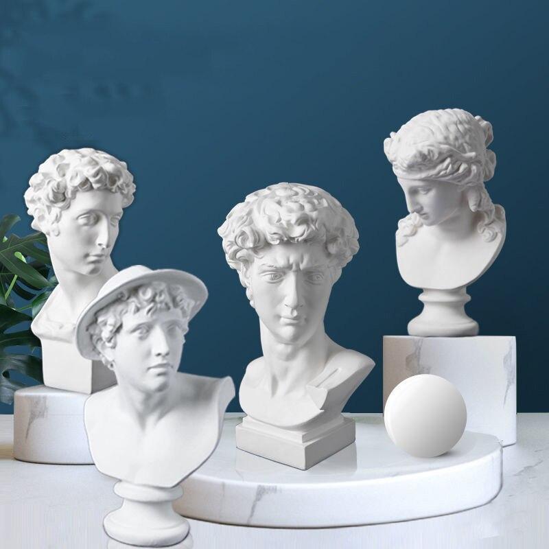 15 Cm Nordic Home Decor Home Decoration Resin  Statue Sculpture European Character Statue Pure White Art Supplies Desktop Orname