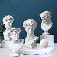 Estatua nórdica de resina de 15 Cm para decoración del hogar, escultura de personaje europeo, suministros de Arte Blanco puro para escritorio o nombre