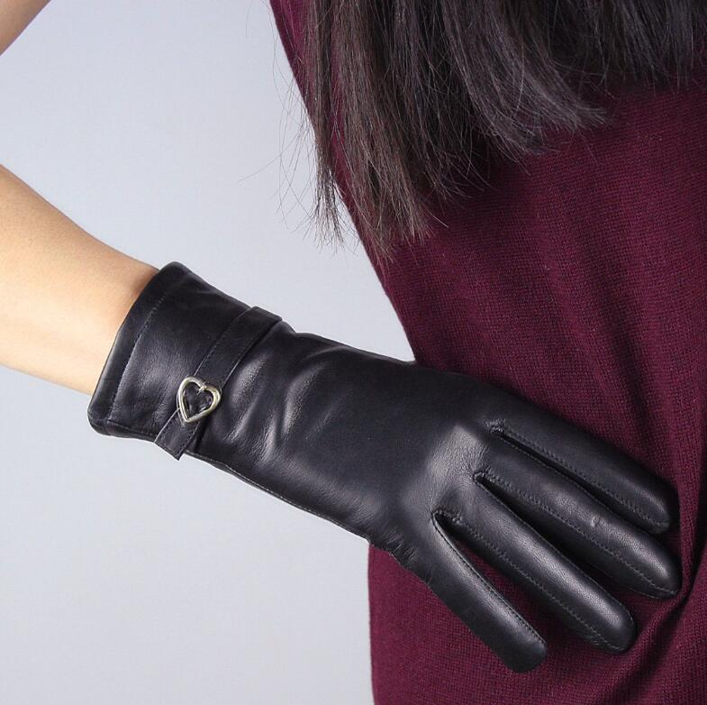 Women's Autumn Winter Fleece Lining Thicken Warm Natural Leather Glove Lady's Genuine Leather Short Driving Glove R2129