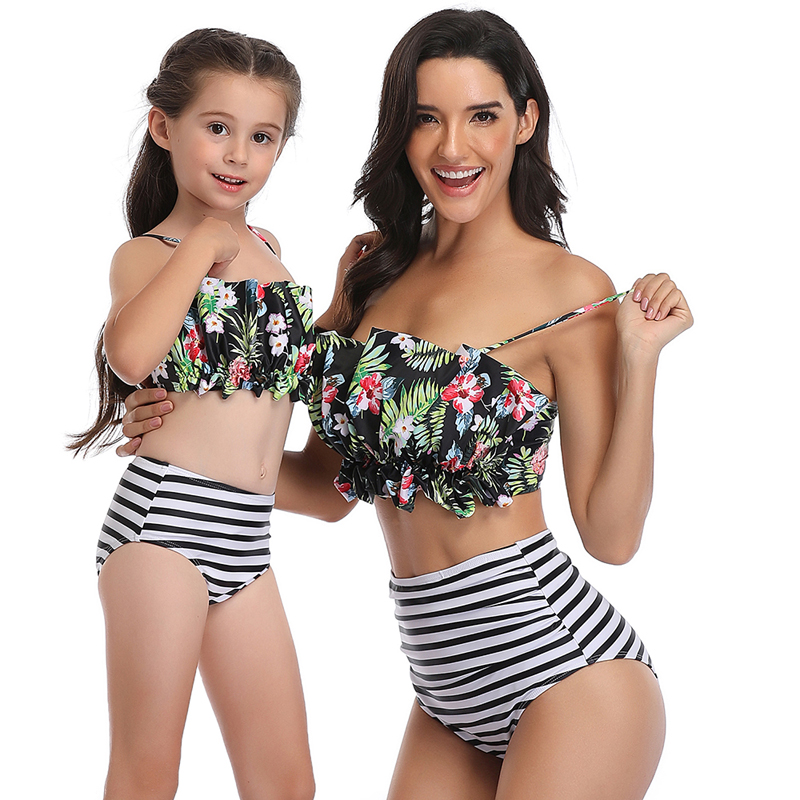 2020 New Family Match Ruffle Bikini Set Mother Daughter Swimsuit Girl Women Bathing Suit Two Piece Swimwear Beach Wear