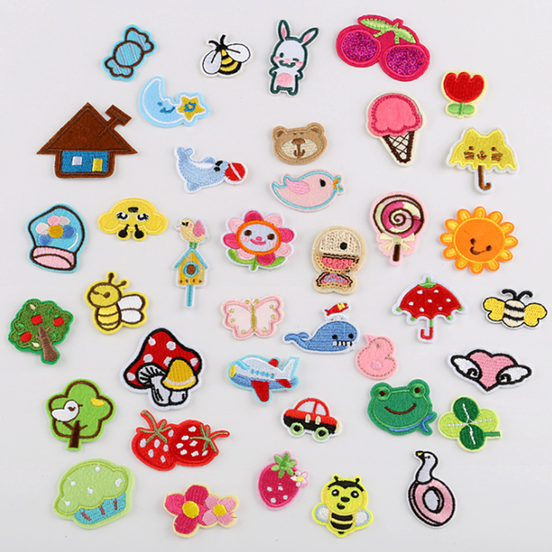 6PCS//Lot Cute Rabbit DIY Patches Embroidered Iron On Sew On Patch For Clothing