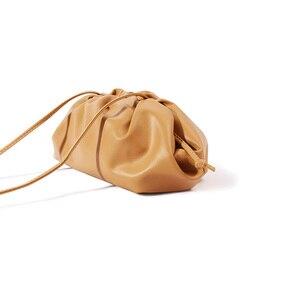 Image 5 - יוקרה מעצב חדש ענן צורת נשים יום מצמד תיק קפלים כופתה כתף שליח תיק קטן חמוד ליידי Crossbody תיק