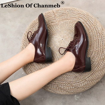 Brand Shoes Women Patent Cow Leather Brogues Shoes Woman Lace up College Dress Formal Flats Cut Out Flower Designer Shoes 33-43