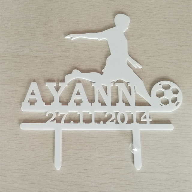 1 Piece Custom Name and Date Cute Boy Play Football Acrylic Cake Topper For Football Fans Birthday Party Cake Decoration YC041