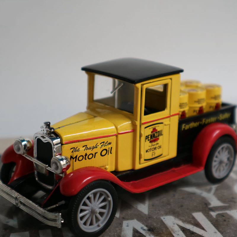 1/32 1928 small truck truck retro classic car simulation die casting alloy collector version vehicle model home decoration kids image
