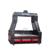 цена на Auto feeding laser cutting machine for textile/auto feeding big co2 laser cutting machine with honeycomb table engraver