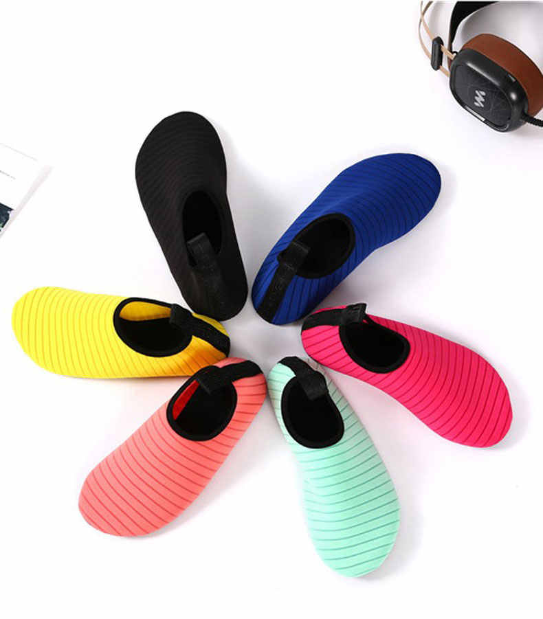 ว่ายน้ำAquaรองเท้าผู้ชายผู้หญิงเด็กชายหาดรองเท้าผู้ใหญ่Unisex Aquaนุ่มเดินคนรักYogaรองเท้ารองเท้าผ้าใบกันลื่น