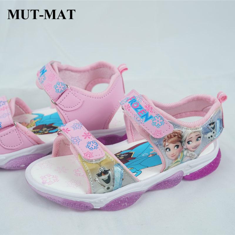 2020 Summer Children's LED Light Children's Shoes Girls Sandals Beach Shoes Color Hollow Non-slip Breathable Shoes